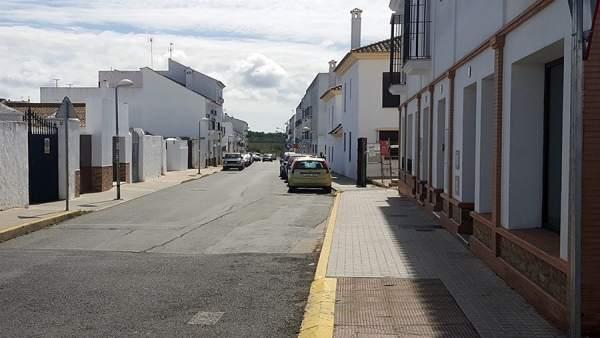 Barriada del Almendral en Cartaya por donde circulaba el conductor detenido.
