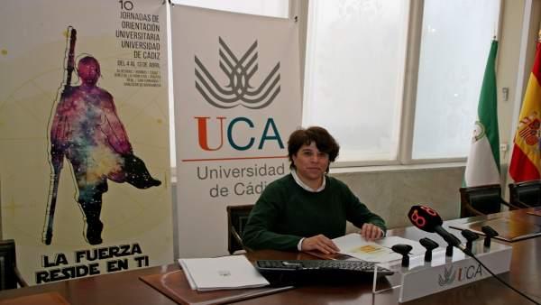 La vicerrectora de Alumnado de la UCA, Concha Valero