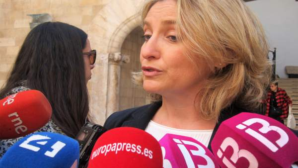 La juez decana de Palma, Sonia Vidal, atiende a los medios
