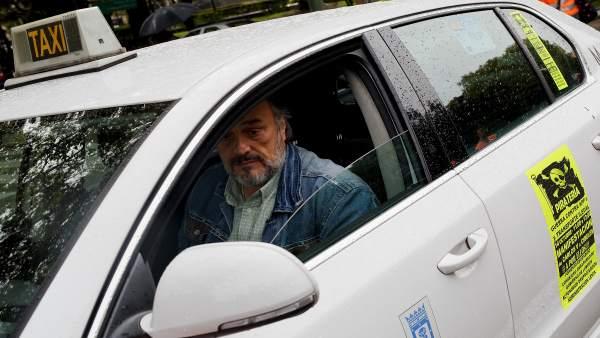 Taxista en Madrid contra la piratería del taxi.