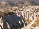 Paisajes lunares en Capadocia (Turquía).