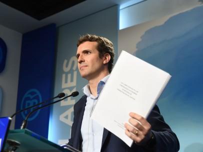 Pablo Casado muestra toda la documentación de su máster.