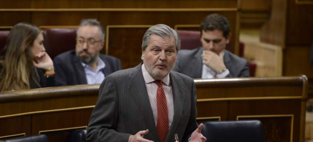 Iñigo Méndez de Vigo en la sesión de control al Gobierno en el Congreso