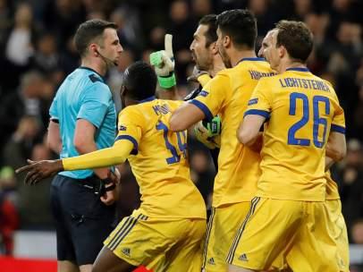 Buffon, expulsado