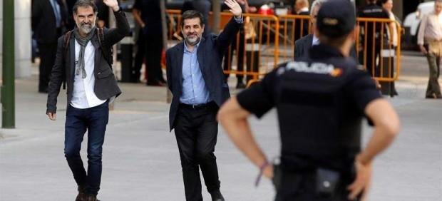 Amnistía Internacional pide de nuevo la libertad para 'los Jordis', que cumplen este martes un ...