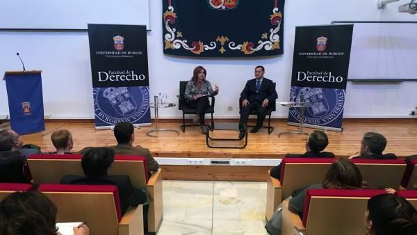 La presidenta de las Cortes en la UBU.