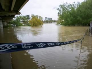 Zaragoza, afectada por la crecida del Ebro