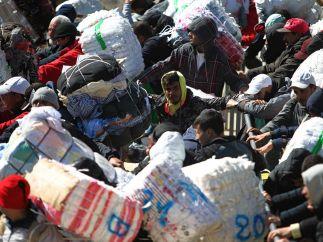 Porteadores en la frontera de Ceuta