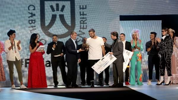 Resultado de imagen de Paco Naya gana el X Certamen Internacional de Jóvenes Diseñadores de Tenerife