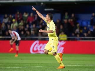 Carlos Bacca celebra un gol