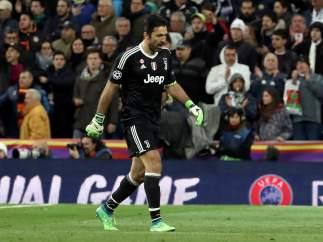 Buffon, en partido de Champions