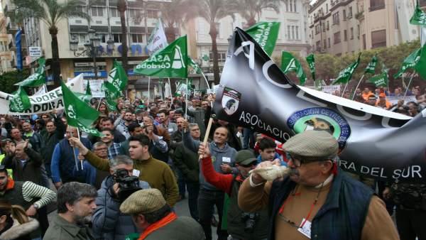 Manifestación en defensa de la caza en Córdoba