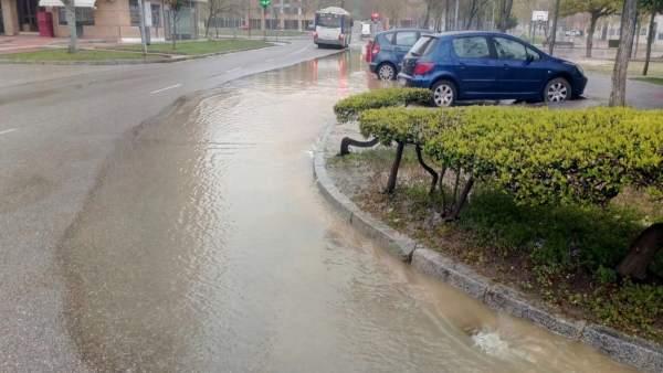 Valladolid.- Fuga de agua en Huerta del Rey