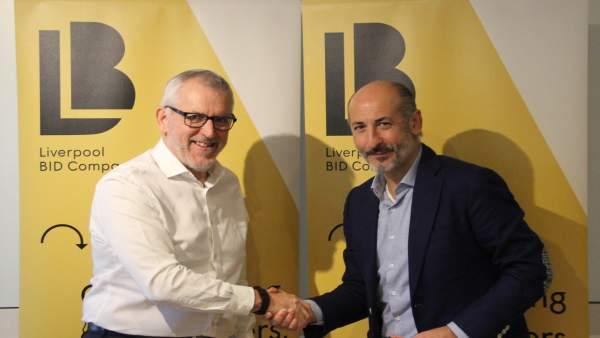 Firma de un convenio entre Bilbao y Liverpool