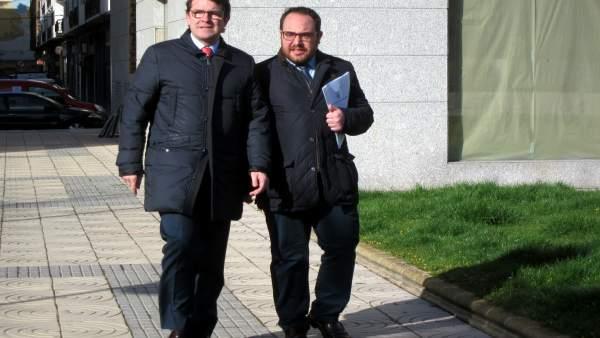 Fernández Mañueco en Salamanca junto al concejal de Obas. 16-4-2018