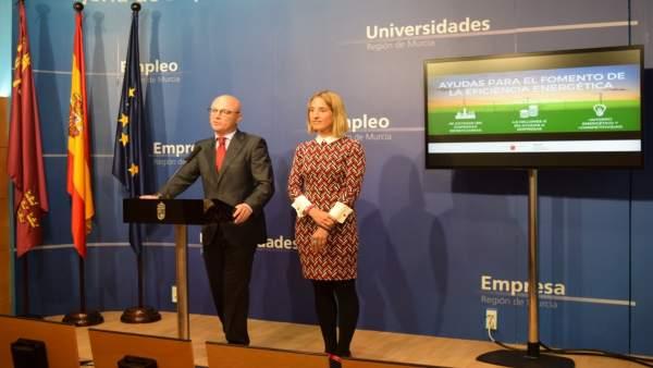 Juan Hernández junto directora Energía, Esther Marín