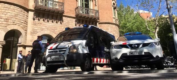 Foto del registro policial en la sede del Diplocat la semana pasada.