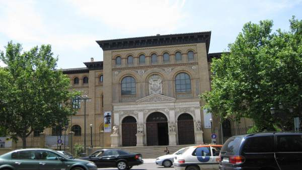 Tráfico por el centro de la ciudad de Zaragoza