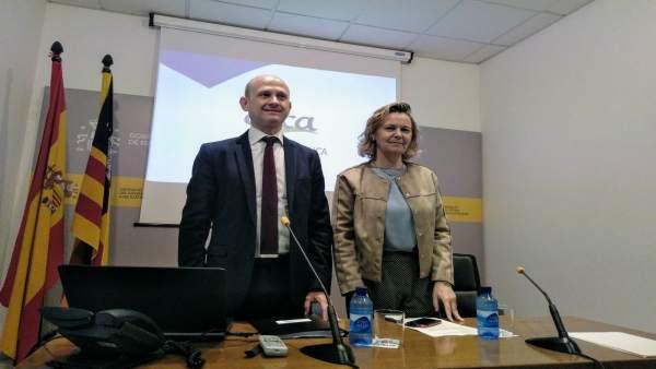 Maria Salom y el director de AICA en rueda de prensa