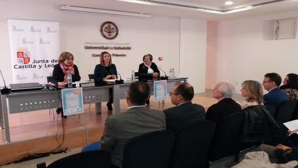 Alicia García (C) en la Universidad de la Experiencia 16-4-2018