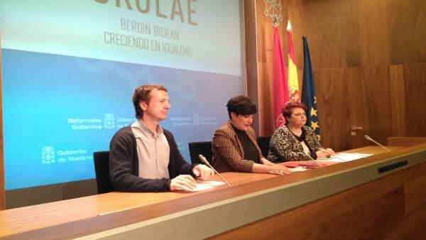 Lakasta, Solana y Mayo en la rueda de prensa