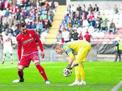 Un lance del duelo entre Rayo y Zaragoza
