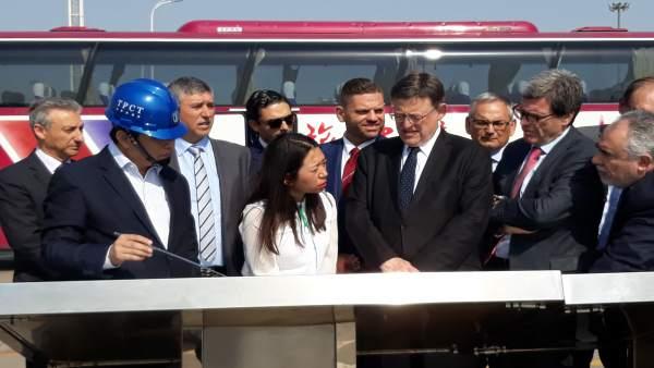 Puig aspira a cimentar acords amb el Port de Tianjin en la seua visita a la Xina