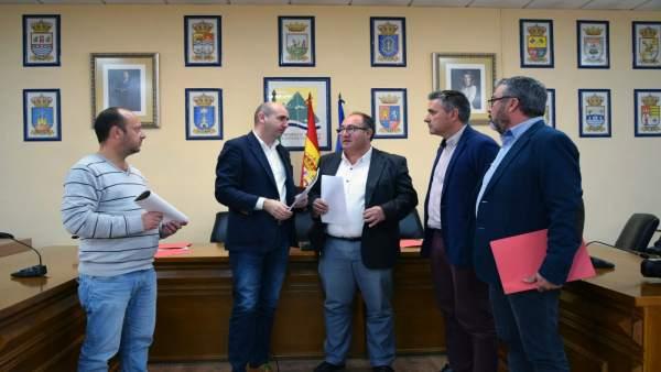 Conejo Campos y Yuste en mancomunidad axarquía estudio despoblación PSOE