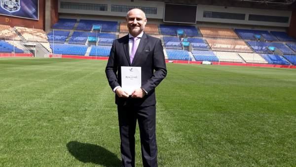 El director de Spanish Soccer Institute, Enrique García