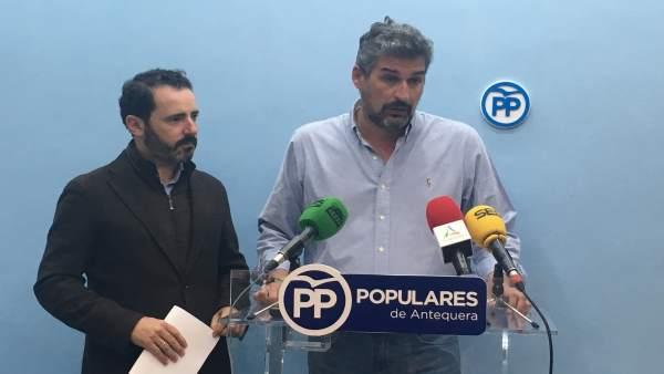 Ángel González Y J Carmona