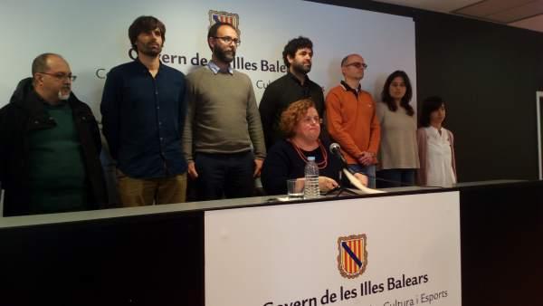 Ruth Mateu en la rueda de prensa en la que anunció su dimisión en 2017