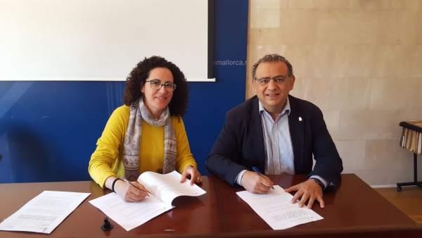 Firma concenvio ayuntamiento de Calvià y el IMAS