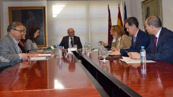 Hernández preside la Comisión de Seguimiento de la Inspección de Trabajo