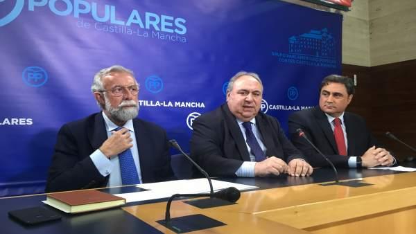 Ramos, Tirado y Mariscal en rueda de prensa