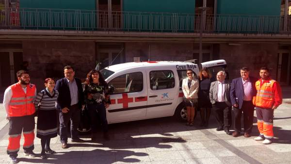 Nuevo vehículo de atención sociosanitaria en Zuera, financiado por 'la Caixa'