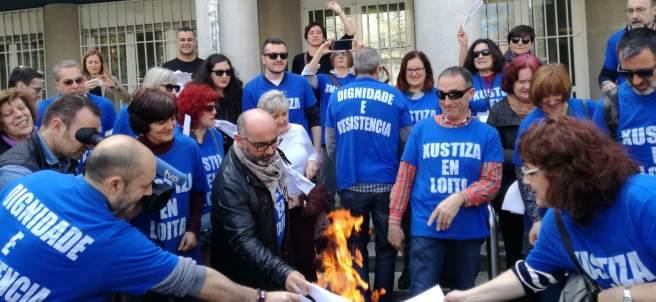 Huelga justicia quema de nóminas