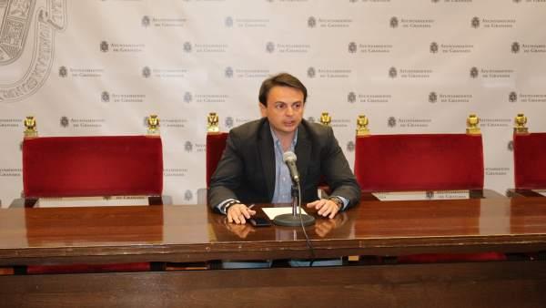 El coordinador del grupo municipal del PP, Juan Antonio Fuentes