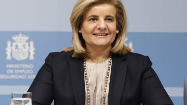 La ministra de Empleo, Fátima Báñez, asiste a la jornada Jóvenes y +