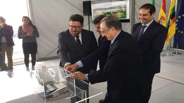 Colocan la primera piedra de la nueva planta de ElPozo en Jabugo.