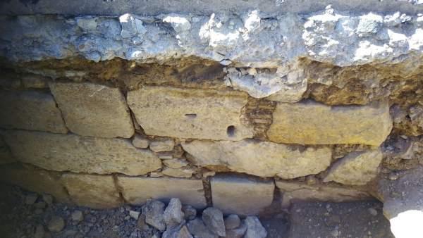 Obres en la xarxa d'aigua de València localitzen restes de la qual podria ser la porta cristiana de la Trinitat