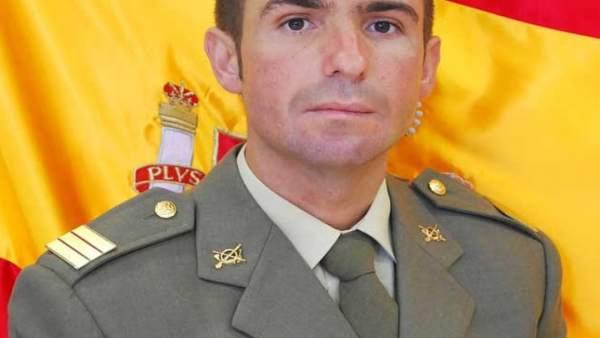 El sargento Julio García fue el primero en atender al herido