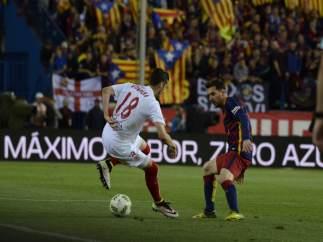Escudero y Messi en la final de la Copa del Rey 2016