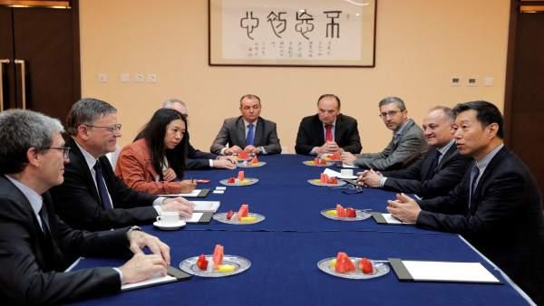 La delegación valenciana se ha reunido con representantes de Noatum y Cosco