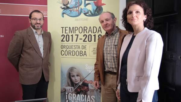 Luque (izda.), Pino y Montes presentan 'La Orquesta más cerca'