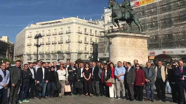 La Generalitat i alcaldes porten a Madrid la reivindicació dels 38 milions per al transport metropolità de València