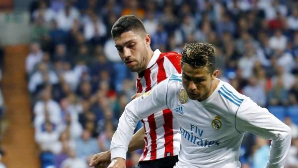 Núñez y Ronaldo, durante el partido de ayer