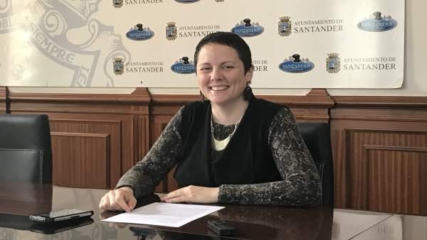 La portavoz de Ganemos, Tatiana Yáñez, en rueda de prensa