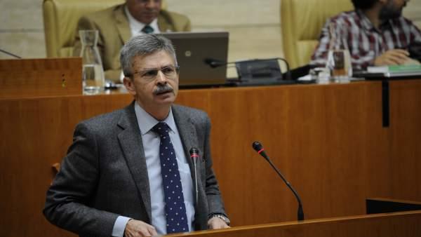 José Luis Navarro en el Pleno de la Asamblea