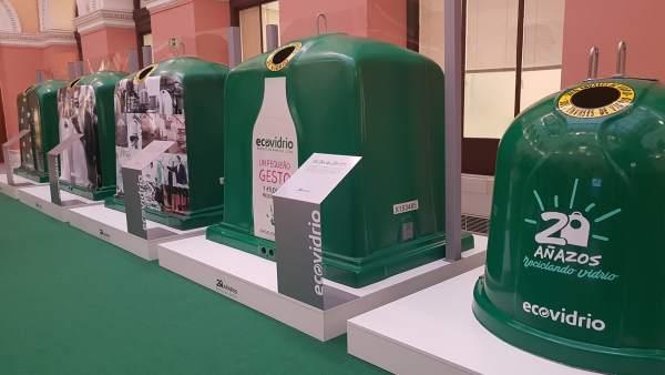 Exposición '20 años' de Ecovidrio en el MAPAMA