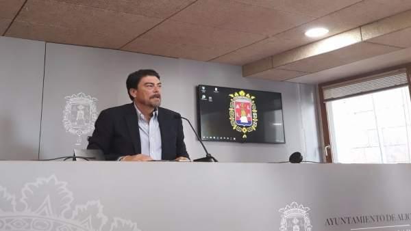 Luis Barcala (PP), nou alcalde d'Alacant en no aconseguir els 15 vots Montesinos (PSPV)